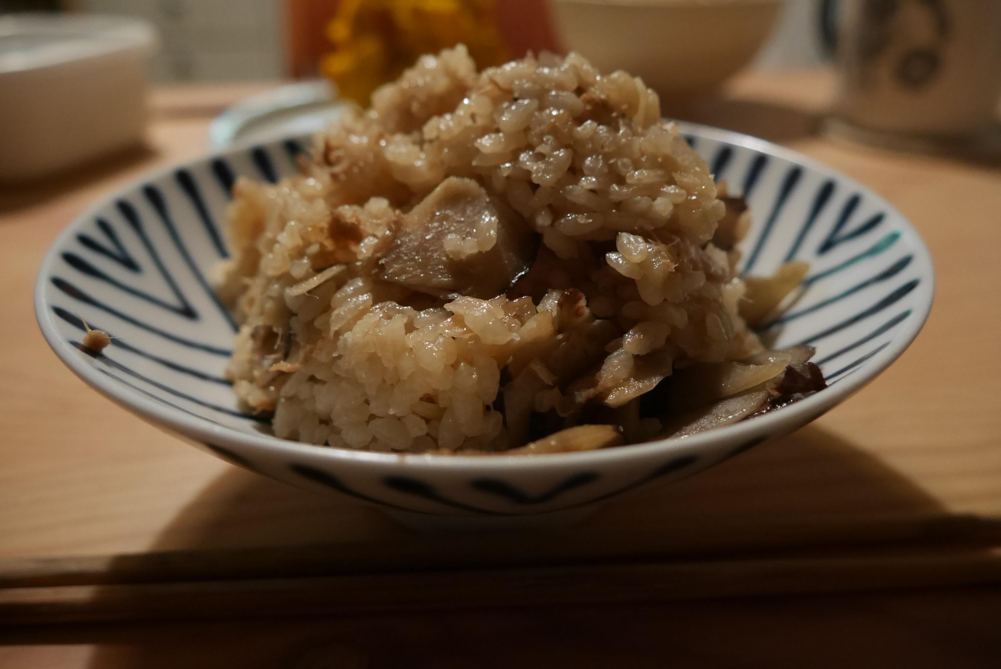 大浦ごぼうとツナの炊き込みご飯とかぼちゃのサラダがめっちゃうまかった話!
